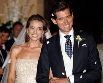 Daniel Téllez sustituye a Soraya Sáenz de Santamaría por un televisor de plasma con Mariano Rajoy